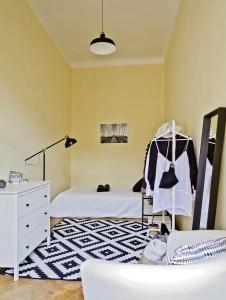 Room 350