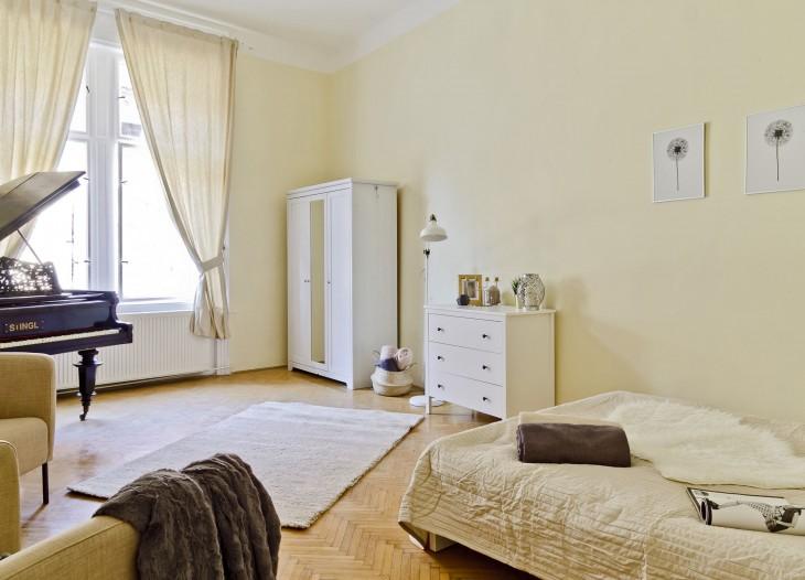Room 370